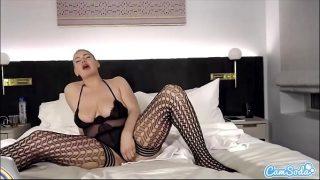 CamSoda – Polish Thickness Masturbates her thick pussy